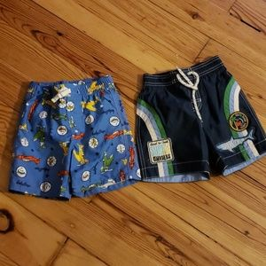 2 pairs of 12-18m Gap swimsuits
